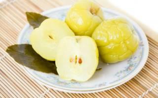 Моченые яблоки в ведре